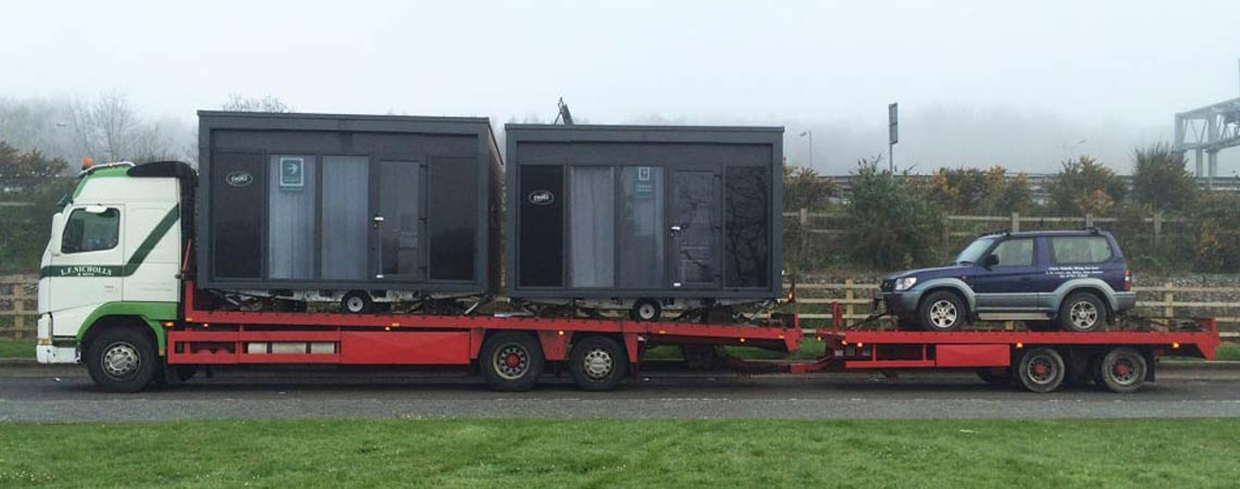 Lorry moving Cabins